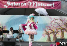 e_CosPlay-fashion-at-Cherry-Blossom-festival.mp4_000148815-220x150
